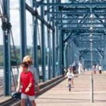 Chattanooga pedestrian bridge © Project for Public Spaces, Inc - www.pbs.org